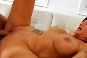 bigtit cougar bonks her way to a facial