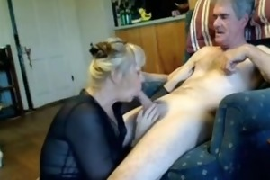 dilettante aged oral sex pleasure-sex on couch