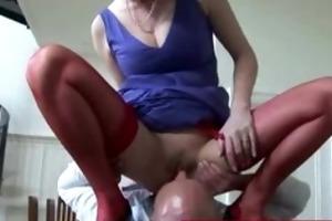 sluty older woman face sitting on paramour