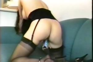 older woman masturbate on the net....