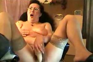 see my pervert mum using sextoy on web cam.