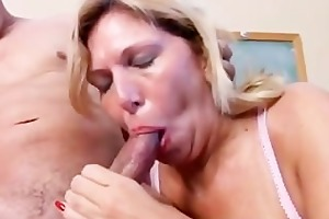 hawt cougar in nylons t live without to fuck