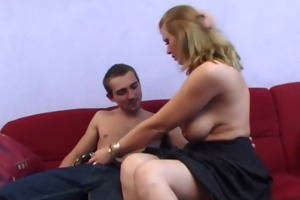 busty non-professional d like to fuck anal