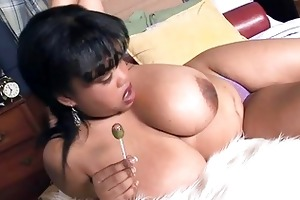 mega breasted ebony mother i shows off her