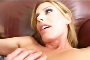 large rod inserts a sexy blond d like to fuck