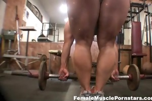 blonde working in the gym