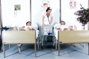 lascivious nurse diamond foxx gives her patients