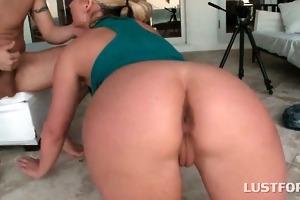 blond tramp in hawt gazoo giving hardcore oral-sex